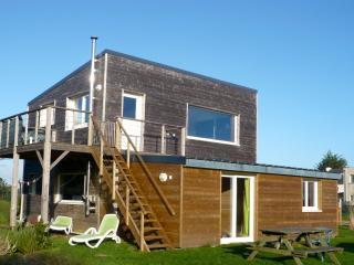 Wooden house with garden - Crozon vacation rentals