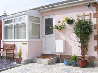 Bright 2 bedroom Mumbles Bungalow with Outdoor Dining Area - Mumbles vacation rentals