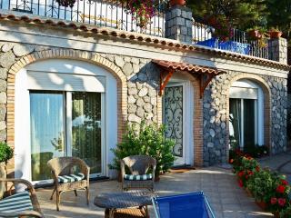 Cozy 2 bedroom Anacapri Condo with Internet Access - Anacapri vacation rentals