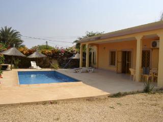 somone . 3 chambres  2 SDB , piscine séjour-cuisine- Possibilité loc à l'année - Somone vacation rentals