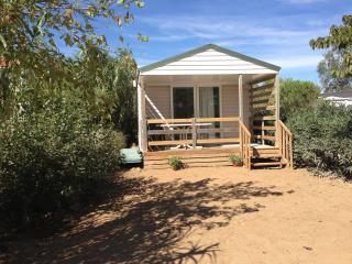 2 bedroom Caravan/mobile home with Internet Access in Canet-en-Roussillon - Canet-en-Roussillon vacation rentals