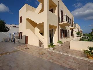 Villetta Mediterraneo con POSTO-AUTO - San Vito lo Capo vacation rentals
