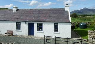 Beautiful Cottage with Television and Microwave - Kilkeel vacation rentals