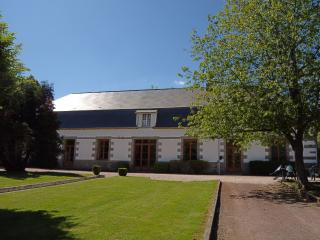 Orangerie Large Gite Normandy - La Foret-Auvray vacation rentals