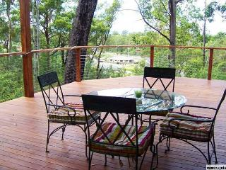 Beautiful House with Deck and Internet Access - Brisbane vacation rentals