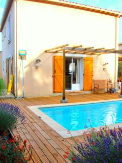 Villa w/ private garden, heated pool, wifi, Roujan - Roujan vacation rentals