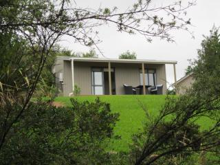 Auckland Country Cottages - Fantail Cottage - Clevedon vacation rentals