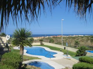 Dos Mares Apartment, Tarifa. WiFi, pool & parking - Tarifa vacation rentals