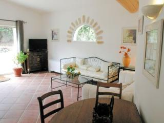 Perfect 2 bedroom Aubagne Villa with Internet Access - Aubagne vacation rentals