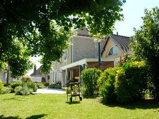 Adorable 2 bedroom Guest house in Autheuil-Authouillet - Autheuil-Authouillet vacation rentals