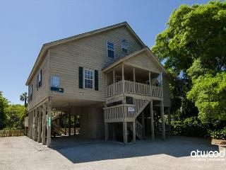 Lolligaggin' - Spacious Family Home Close To the Beach - Edisto Island vacation rentals