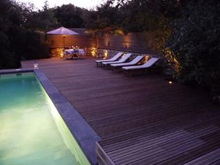 4 bedroom Villa with Internet Access in Vers-Pont-du-Gard - Vers-Pont-du-Gard vacation rentals