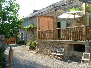 2 bedroom Farmhouse Barn with Internet Access in Najac - Najac vacation rentals