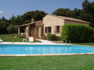 Perfect House with Internet Access and Television - Montaren-et-Saint-Médiers vacation rentals