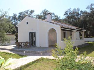 Nice Villa with Internet Access and A/C - Lefkimi vacation rentals