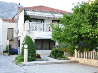 KastelaTIN - Apartment B - Kastel Gomilica vacation rentals