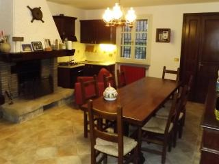 Bright 2 bedroom House in Forli with Parking - Forli vacation rentals
