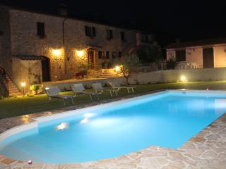 Nice Bed and Breakfast with Internet Access and Central Heating - Solfagnano vacation rentals