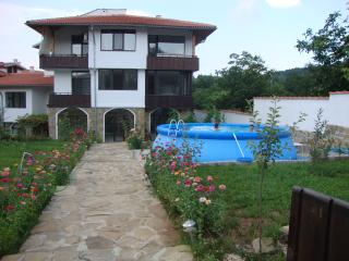 Beautiful Apartment in Arbanasi with A/C, sleeps 4 - Arbanasi vacation rentals