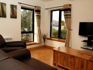 Bright 1 bedroom Condo in Fort William - Fort William vacation rentals