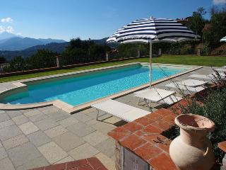 Villa Corado with lift + pool for wheelchair users - Castiglione Di Garfagnana vacation rentals
