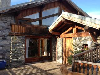 Adorable Ski chalet with Internet Access and Balcony - Bourg Saint Maurice vacation rentals