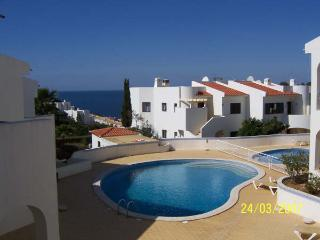 Lovely 2 bedroom Apartment in Carvoeiro - Carvoeiro vacation rentals