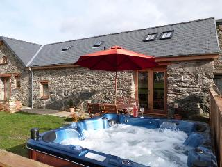 Stabal Llew Coch:Hot Tub, Lake & Restaurants-82212 - Bala vacation rentals
