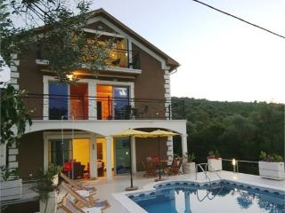 Sea-views Villa Tivat - Tivat vacation rentals