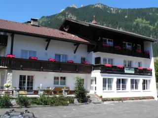 Bright 2 bedroom Wängle Apartment with Internet Access - Wängle vacation rentals