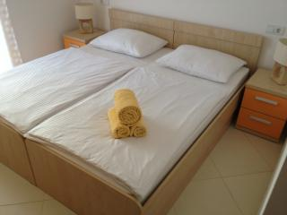 Nice 1 bedroom Condo in Lokva Rogoznica - Lokva Rogoznica vacation rentals
