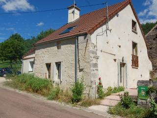 Nice Gite with Internet Access and Television - Venarey-les-Laumes vacation rentals