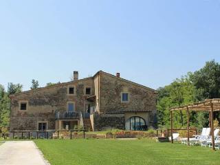 GIALLO apartment - Dimore di Poggianto - Pergine Valdarno vacation rentals