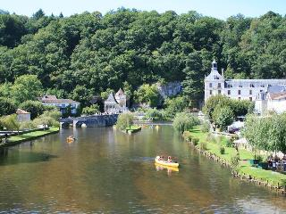 Azara-Fantastic home with restaurant & pool access - Brantome vacation rentals