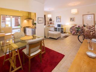 Lovely 2 bedroom Condo in Faro with Refrigerator - Faro vacation rentals