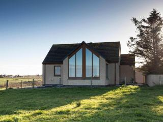 Cozy Bungalow with Television and Microwave - John O'Groats vacation rentals