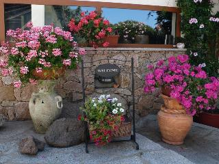 Bright 4 bedroom Bed and Breakfast in Aglientu with Internet Access - Aglientu vacation rentals
