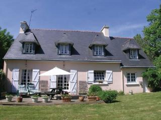 Perfect Villa with Satellite Or Cable TV and Washing Machine - La Foret-Fouesnant vacation rentals