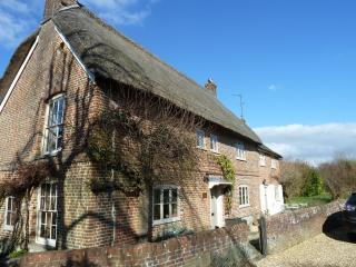 Charming House with Internet Access and Satellite Or Cable TV - Devizes vacation rentals