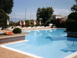 Bright 2 bedroom Sirmione Resort with Deck - Sirmione vacation rentals