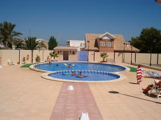 Perfect 3 bedroom Los Nietos House with A/C - Los Nietos vacation rentals