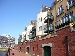 Bay View Apartment - Cardiff Bay - 203279 - Cardiff vacation rentals
