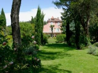 Chambre Jaune - Orgon vacation rentals