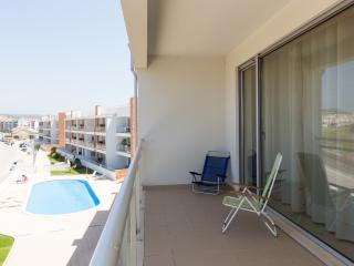 Spacious and Modern 2 Bedroom Air Conditioned Apartment with Pool, Large Balcony with BBQ - Sao Martinho do Porto vacation rentals