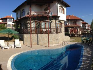 2 bedroom Villa with Internet Access in Aheloy - Aheloy vacation rentals