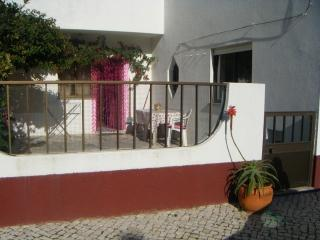 Peniche, house with garden 2 minutes from the beac - Peniche vacation rentals
