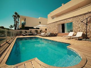 Perfect 4 bedroom Villa in Ibiza with Internet Access - Ibiza vacation rentals