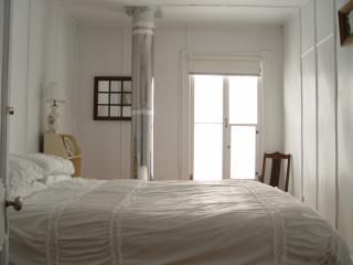 Adorable Baie-St-Paul vacation Guest house with Internet Access - Baie-St-Paul vacation rentals