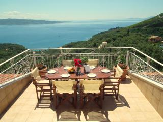 Nice 5 bedroom House in Agios Stefanos - Agios Stefanos vacation rentals