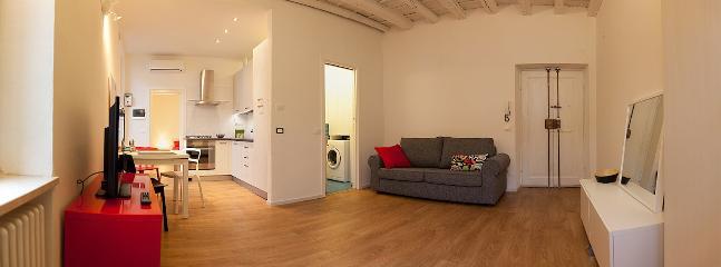 Romantic 1 bedroom Verona Apartment with Internet Access - Verona vacation rentals